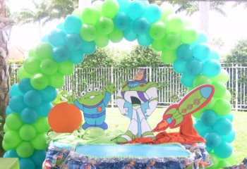 buzz light year table decoration