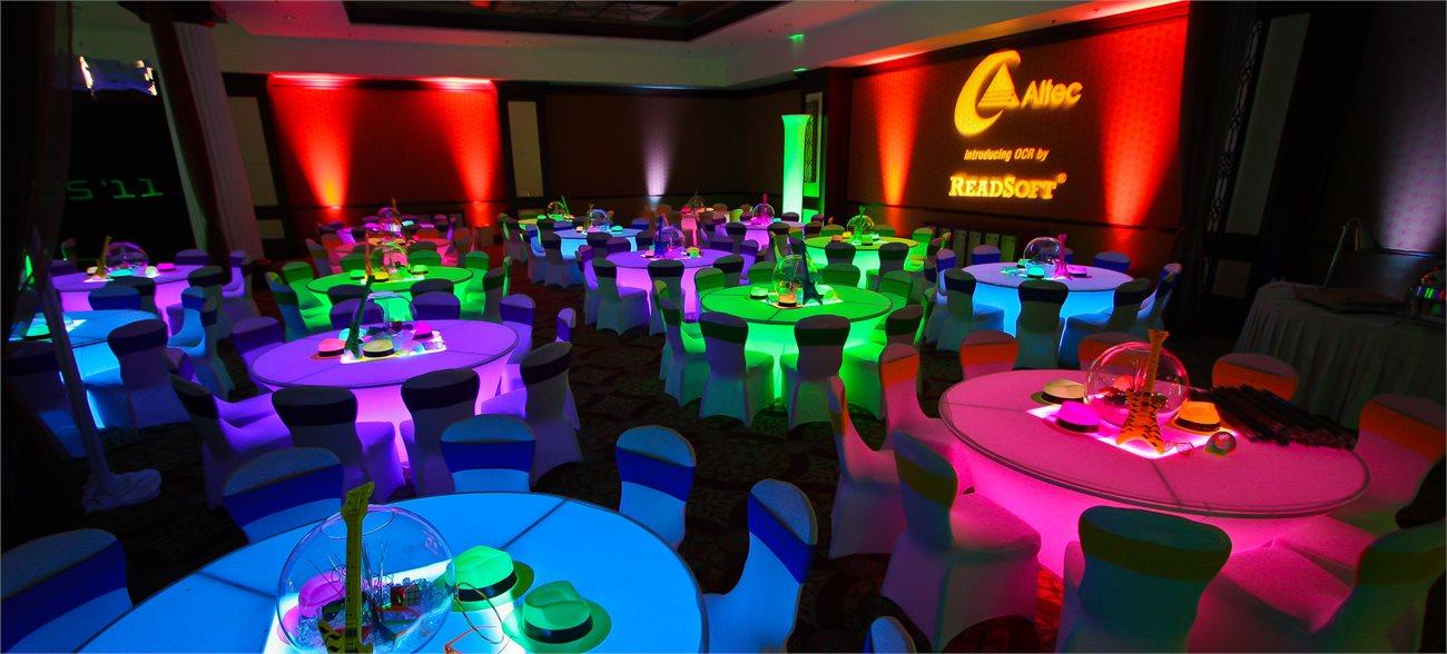 80s_theme_illuminated_tables.71094